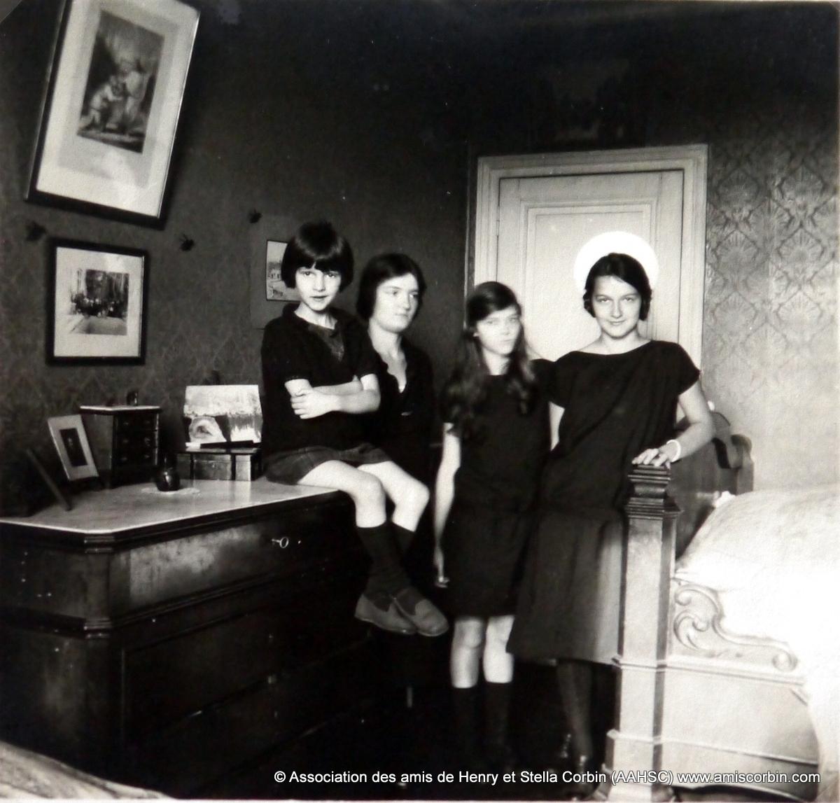 Famille 1925 -Roselene, Renee, Francine, Stella